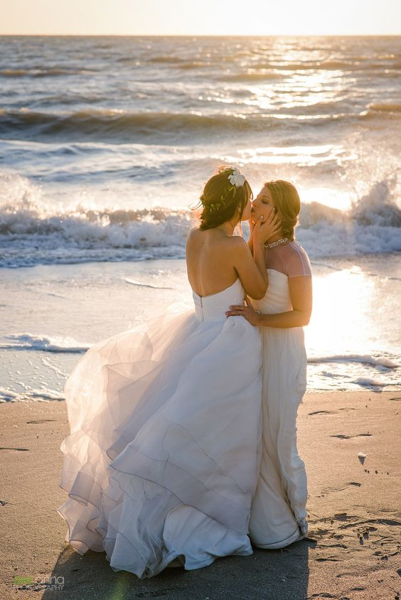 beautiful strapless airy wedding dresses for a beach ceremony