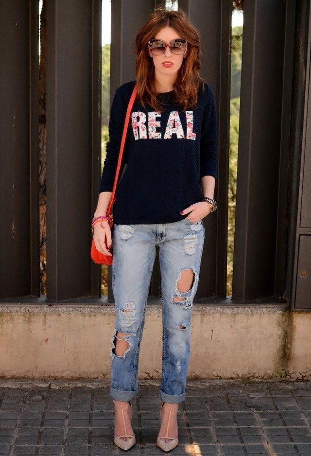 Distressed Boyfriend jeans women