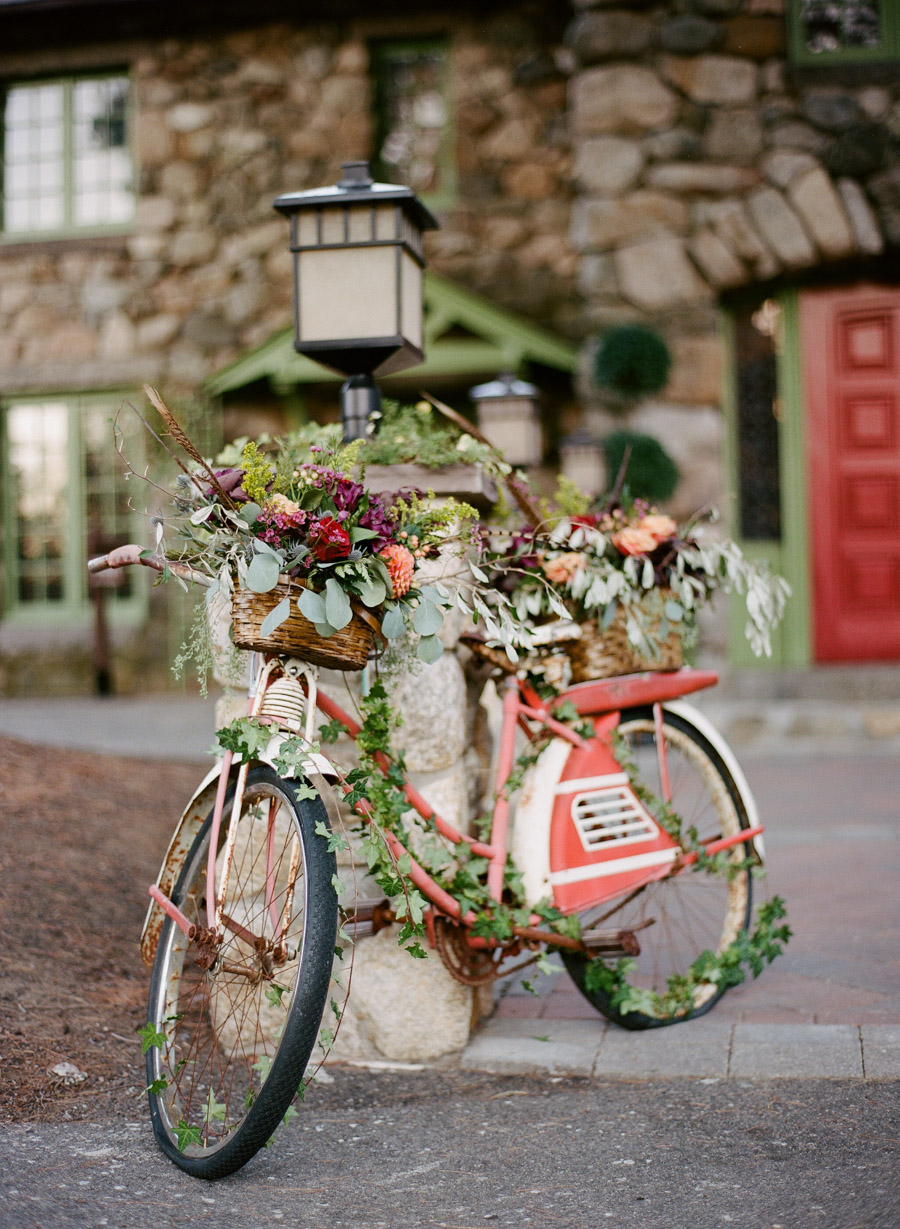 whimsical wedding ideas - photo by Ebersole Photography http://ruffledblog.com/fall-wedding-inspiration-from-the-big-fake-wedding