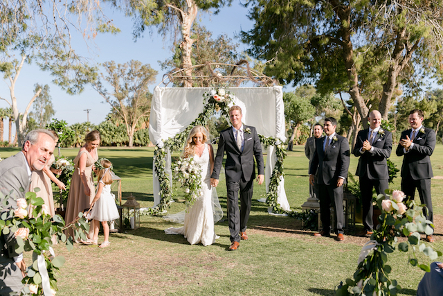 Country club outdoor wedding ceremony | Leah Marie Photography