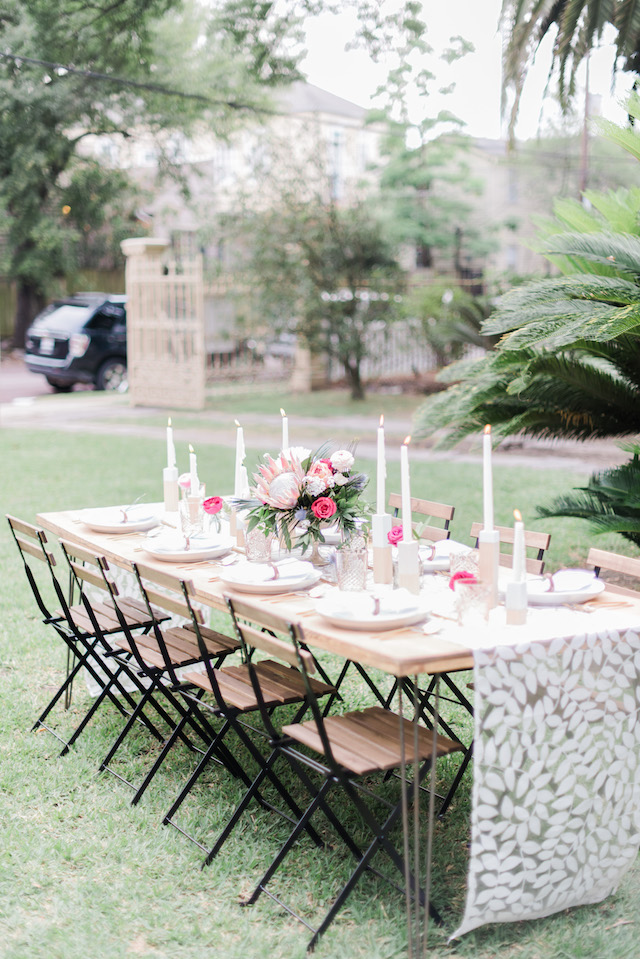 Mid Century modern tablescape | Brittany Schlamp Photography