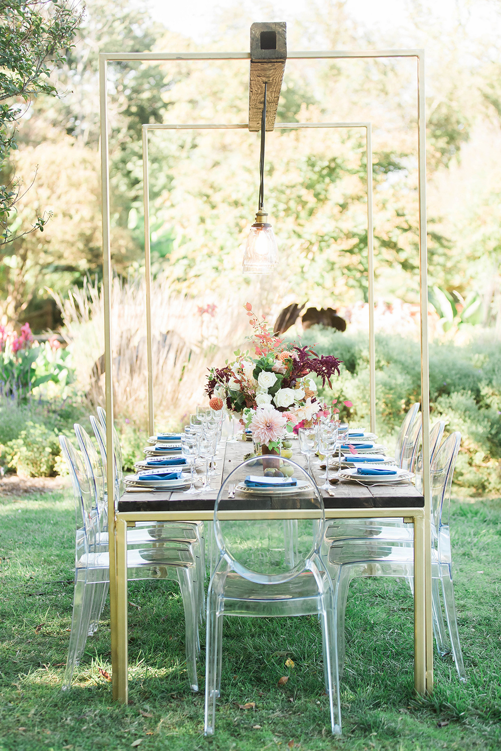 modern wedding receptions - photo by Candice Adelle Photography http://ruffledblog.com/historic-garden-wedding-inspiration
