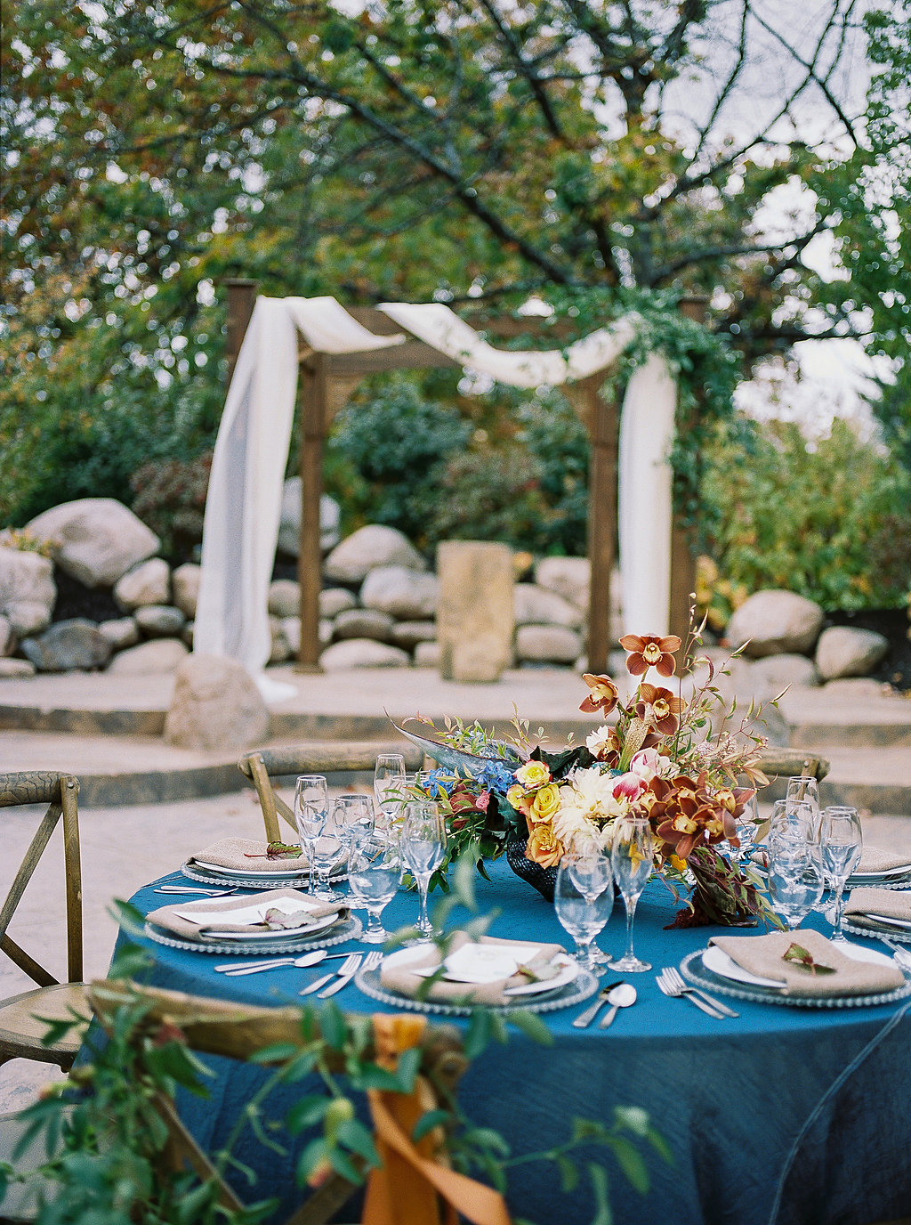 blue tablescapes - photo by Alexandra Elise Photography http://ruffledblog.com/cobalt-and-amber-wedding-inspiration