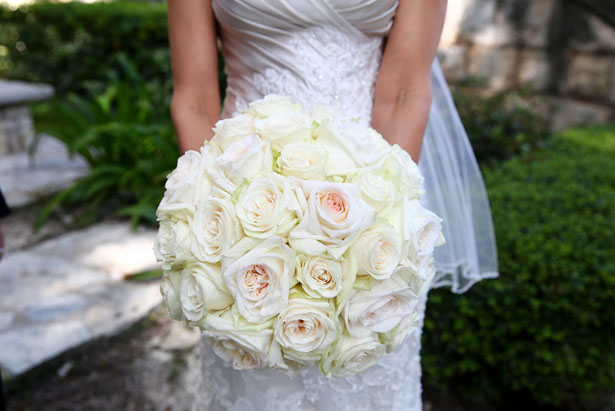 White bridal bouquet - HydeParkPhoto