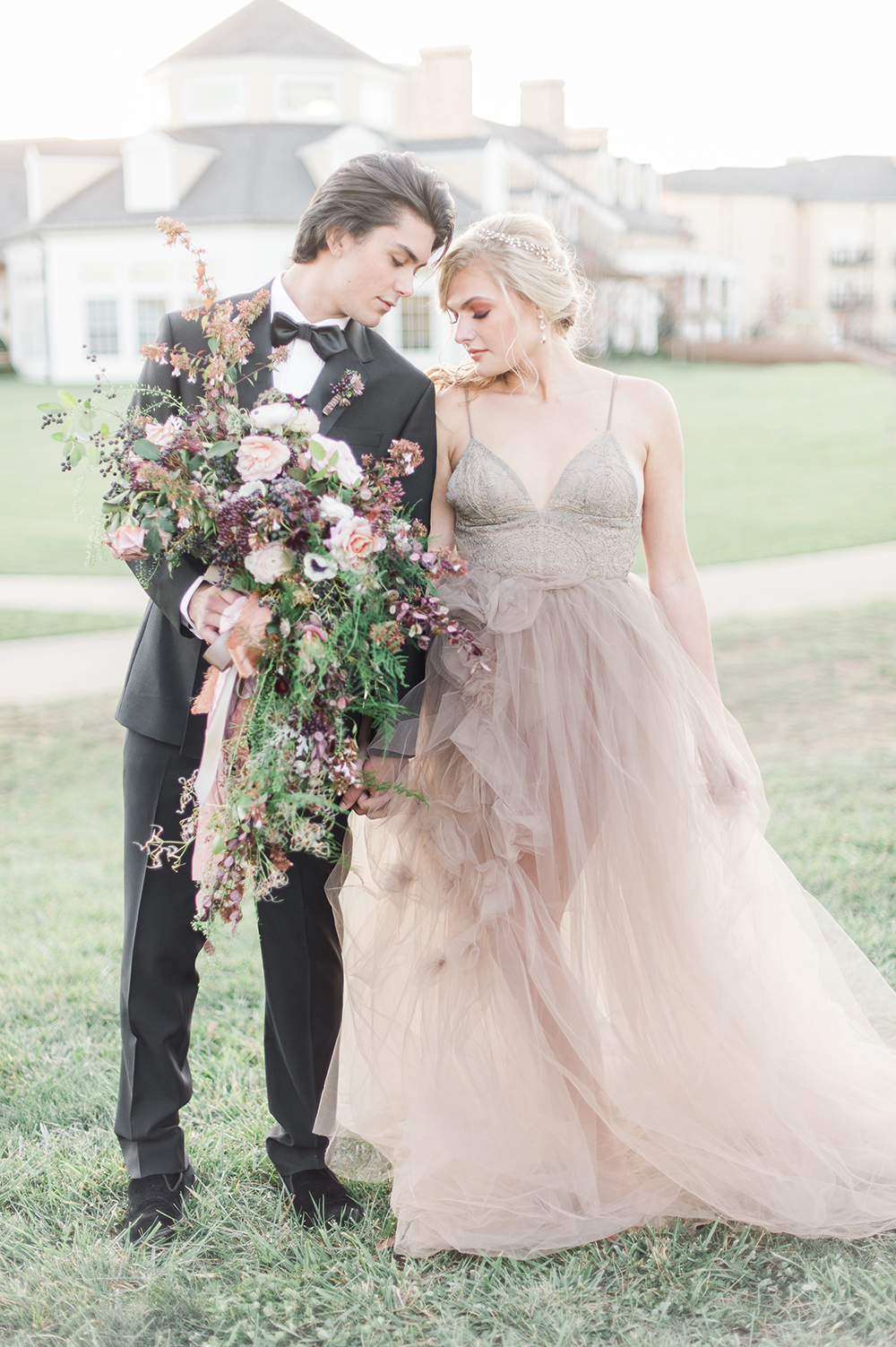 Ethereal Wedding Inspiration with Vintage Accents - photo by Jenny B Photos http://ruffledblog.com/ethereal-wedding-inspiration-with-vintage-accents