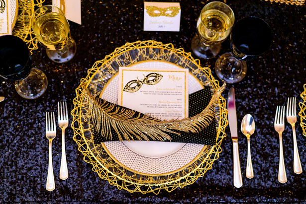 Gold feather table details - Kirth Bobb Photography