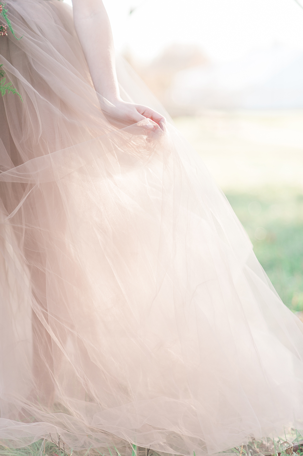 tulle wedding dress - photo by Jenny B Photos http://ruffledblog.com/ethereal-wedding-inspiration-with-vintage-accents