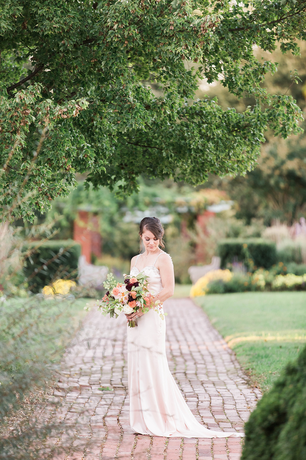 bridal style - photo by Candice Adelle Photography http://ruffledblog.com/historic-garden-wedding-inspiration