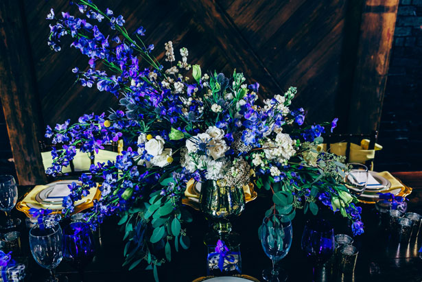 Elegant wedding centerpiece - Derek Halkett Photography