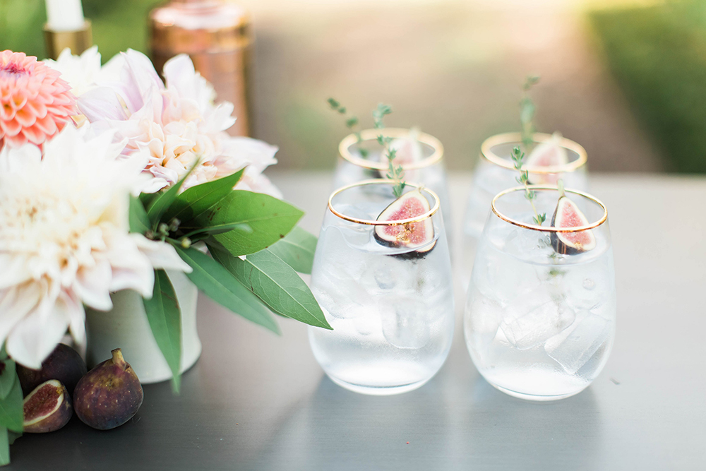wedding drinks - photo by Candice Adelle Photography http://ruffledblog.com/historic-garden-wedding-inspiration