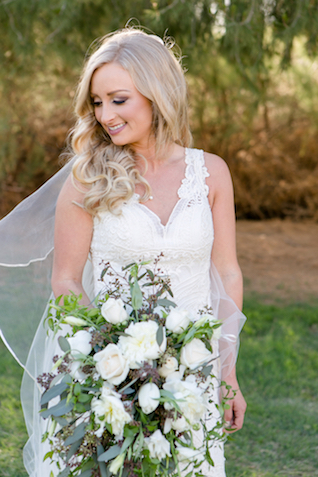 White and green bridal bouquet | Leah Marie Photography