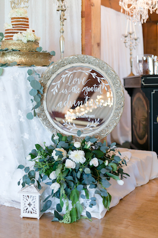 Hand-lettering on mirror | Leah Marie Photography