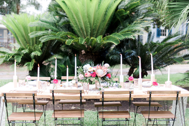 Palm Springs style wedding tablescape | Brittany Schlamp Photography