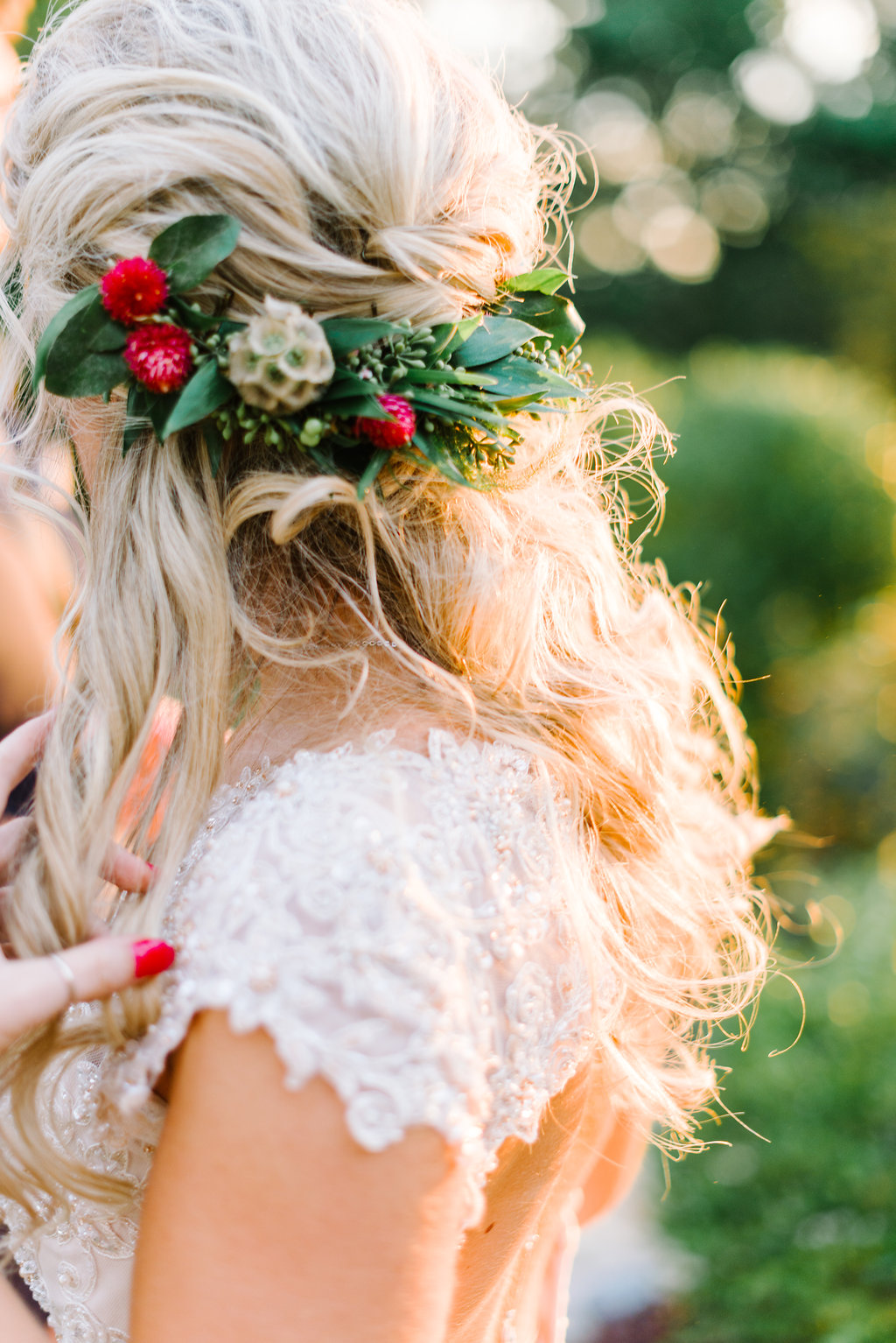 bridal hair inspiration - photo by Cathrine Taylor Photography http://ruffledblog.com/colorful-alabama-wedding-with-desert-accents
