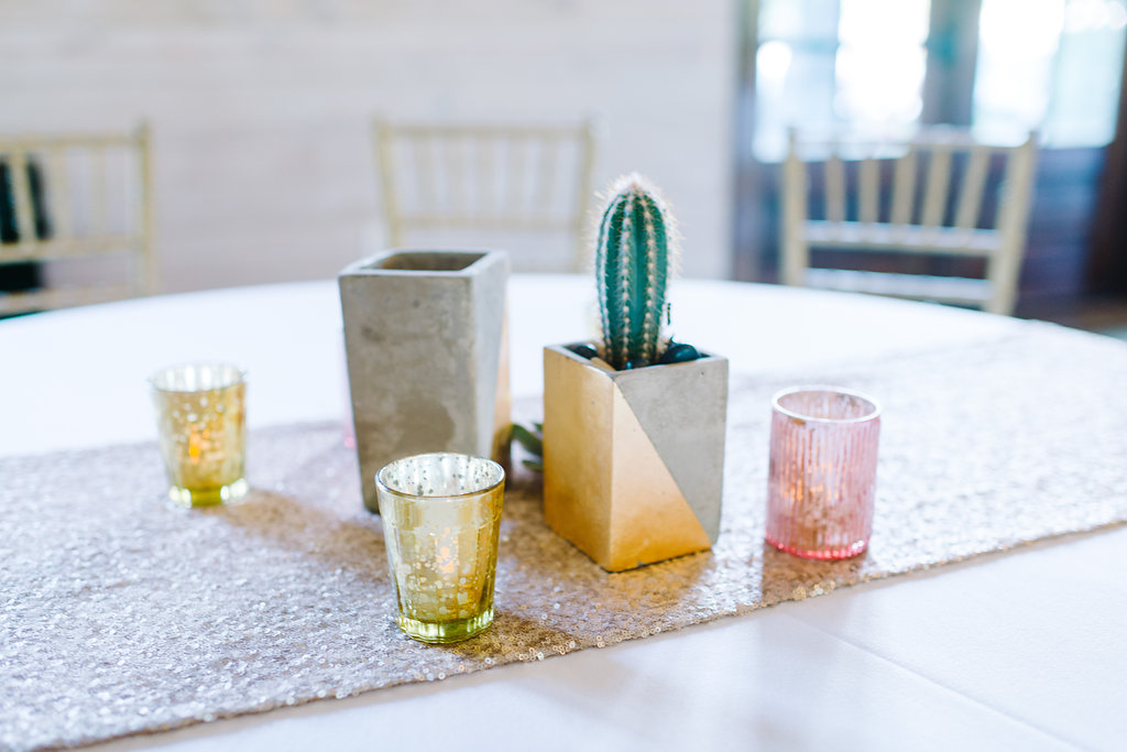 simple centerpieces - photo by Cathrine Taylor Photography http://ruffledblog.com/colorful-alabama-wedding-with-desert-accents