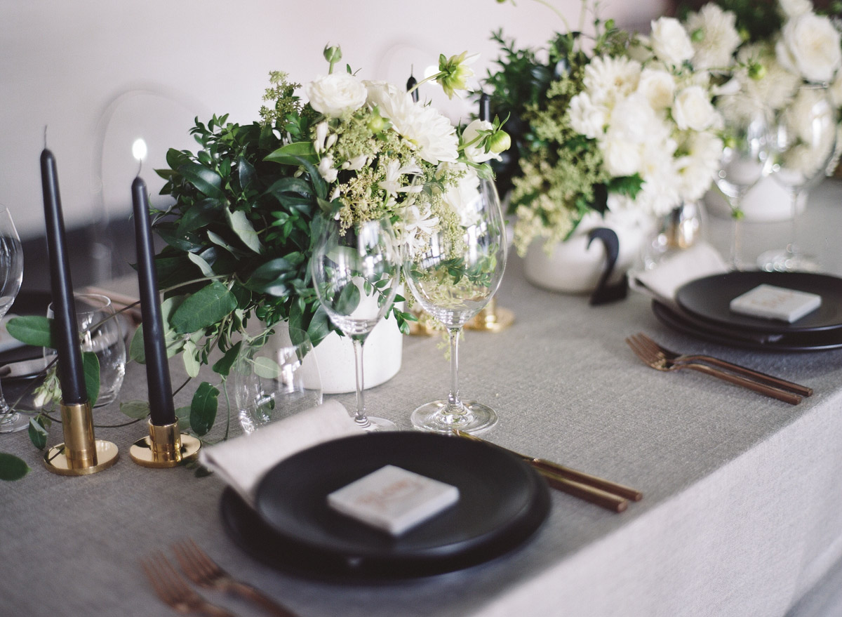 modern tablescapes - photo by Qlix Photography http://ruffledblog.com/wedding-elegance-with-understated-beauty
