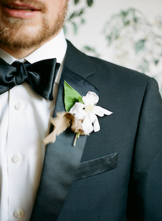 Southern groom's boutonnière | SMM Photography