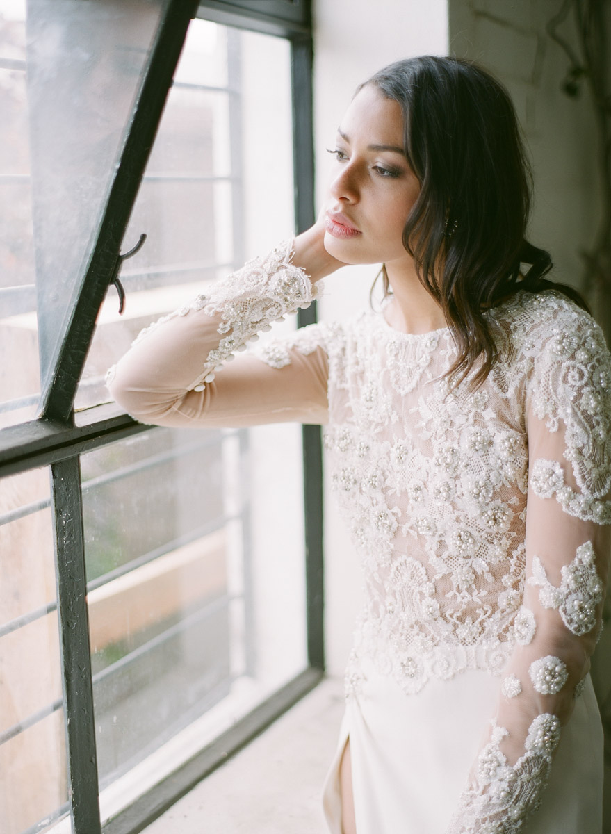 lace wedding dresses - photo by Qlix Photography http://ruffledblog.com/wedding-elegance-with-understated-beauty