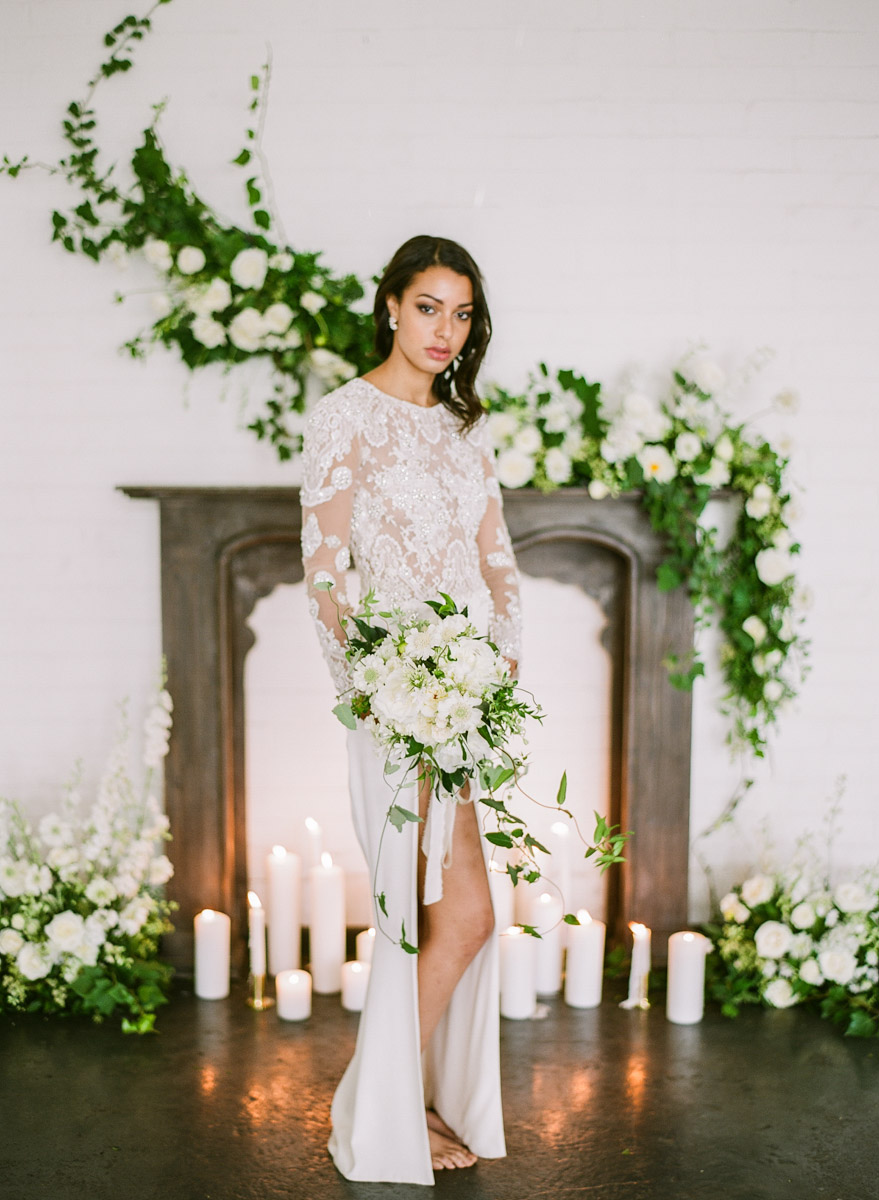 Wedding Elegance with Understated Beauty - photo by Qlix Photography http://ruffledblog.com/wedding-elegance-with-understated-beauty