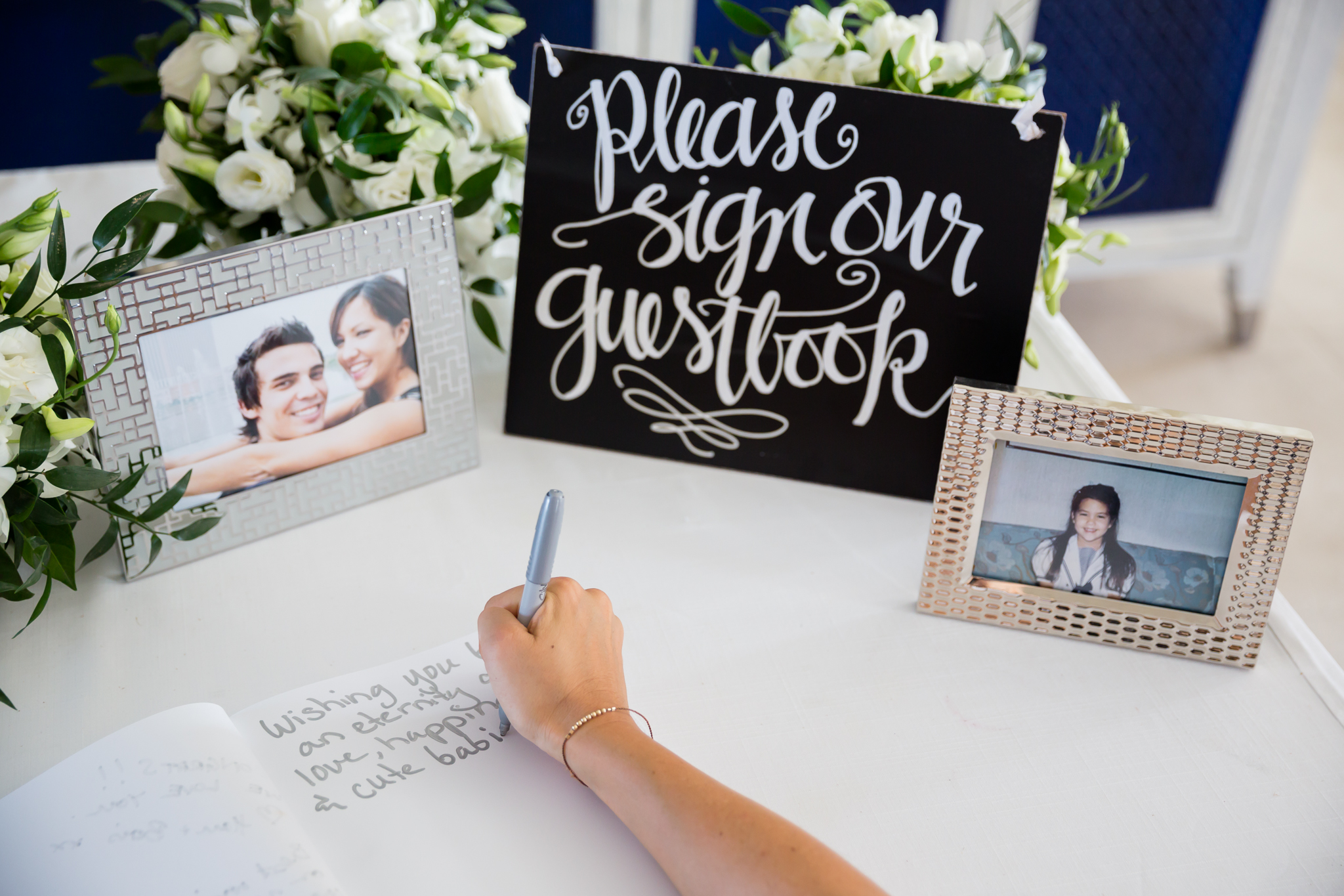 guest books - photo by DarinImages http://ruffledblog.com/this-bride-is-sharing-all-you-need-to-know-about-a-destination-wedding-in-thailand