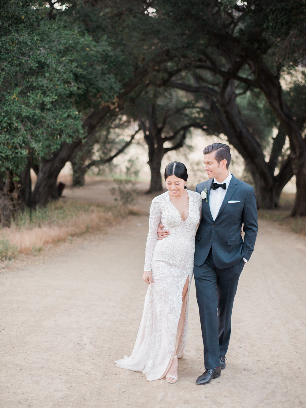 glam bridal looks - photo by Anya Kernes Photography http://ruffledblog.com/organic-wedding-inspiration-with-shades-of-blue
