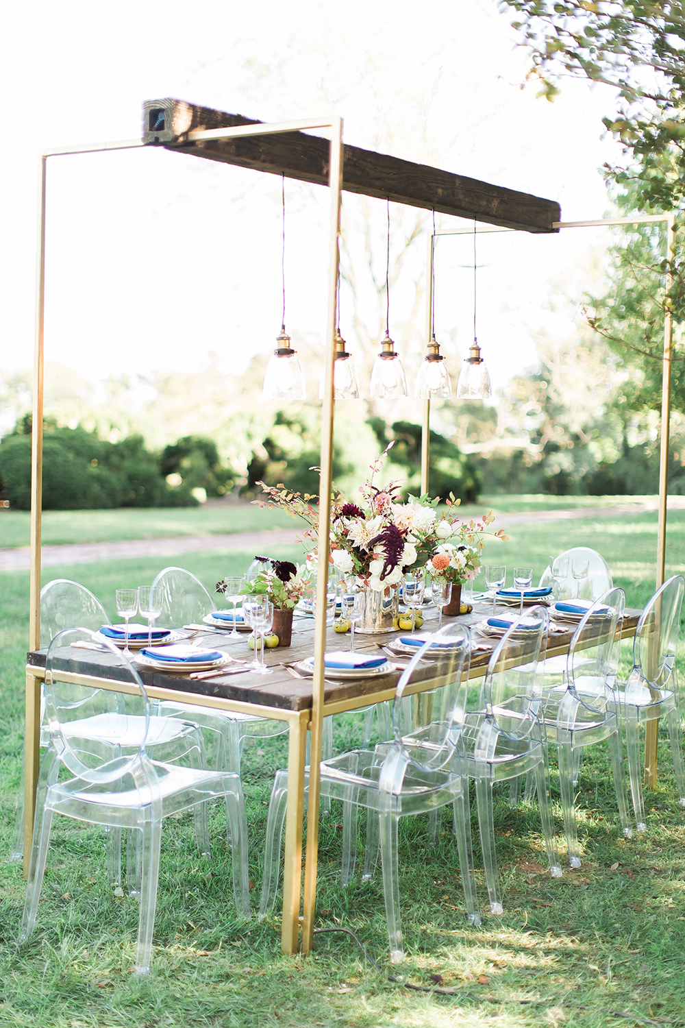 wedding decor - photo by Candice Adelle Photography http://ruffledblog.com/historic-garden-wedding-inspiration