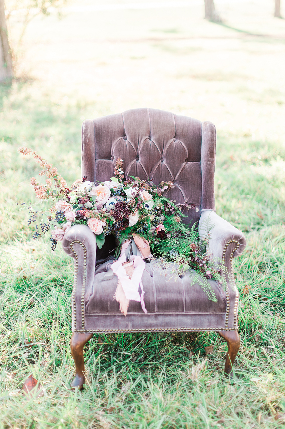 wedding bouquet - photo by Jenny B Photos http://ruffledblog.com/ethereal-wedding-inspiration-with-vintage-accents