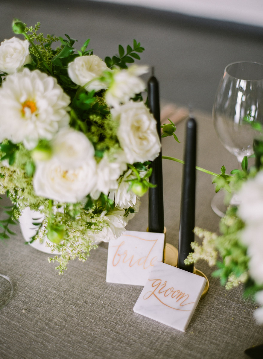 modern wedding details - photo by Qlix Photography http://ruffledblog.com/wedding-elegance-with-understated-beauty