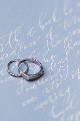 Ring calligraphy | Anny Dmitrieva Photography