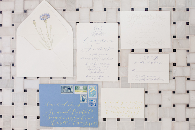 Calligraphy wedding invitations in icy blue with envelope liner | Grey to Blue Photography