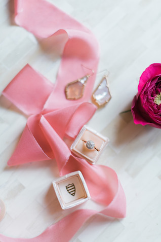 Kendra Scott earrings | Brittany Schlamp Photography