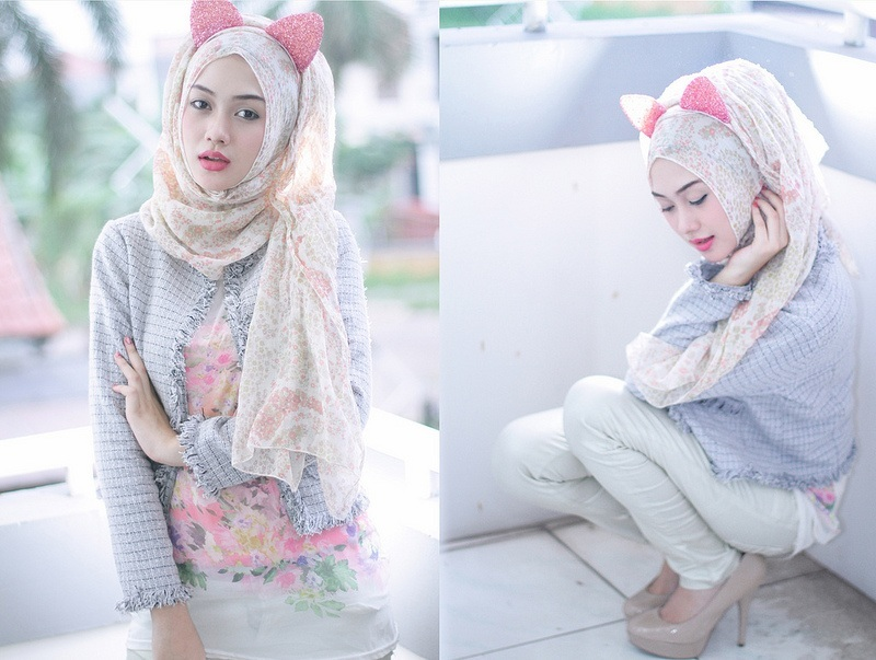 Cat look with Hijab