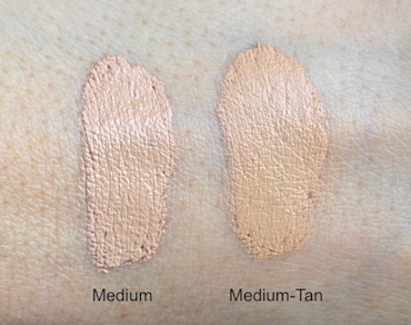 It Cosmetics Confidence in a Compact Foundation swatches