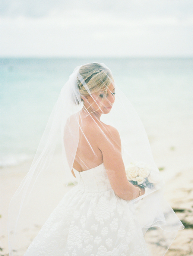 Destination wedding veil Asia Pimentel Photography