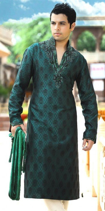 what men should wear on their mehndi