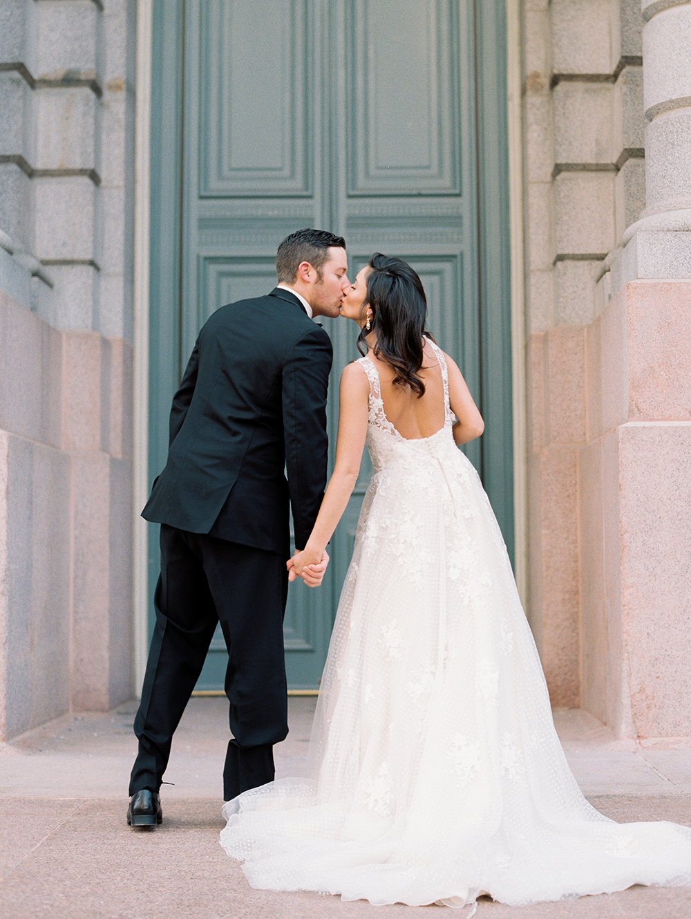 wedding photography - photo by Erin Stubblefield http://ruffledblog.com/chic-city-valentines-day-wedding-inspiration