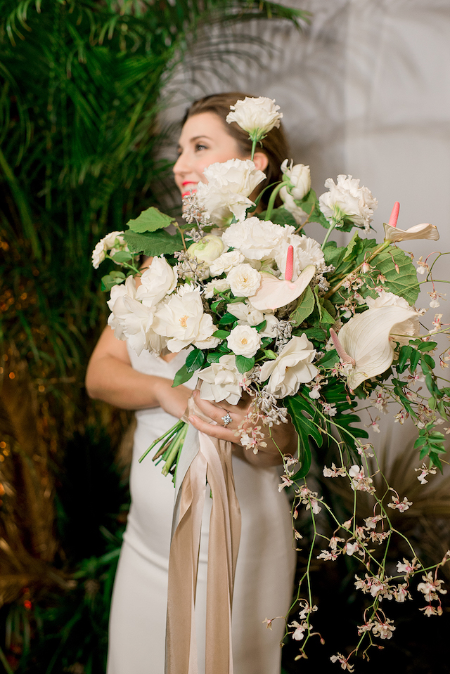 Unique beach inspired bridal bouquet | #aislesocietyexperience @aislesociety presented by @minted | Brkyln View Photography