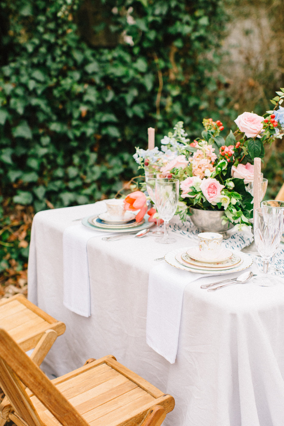 romantic garden weddings - photo by 4 Corners Photography http://ruffledblog.com/backyard-elopement-inspiration-for-valentines-day