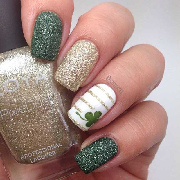 Easy Clover Accent Nail for St Patrick's Day