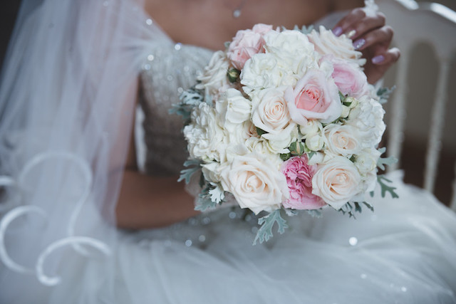 Classic pink and white bridal bouquet | Margherita Calati Photography