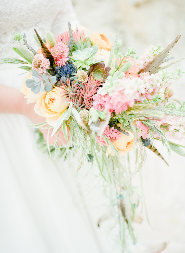 Light pastel colorful bridal bouquet | Green Blossom Photography