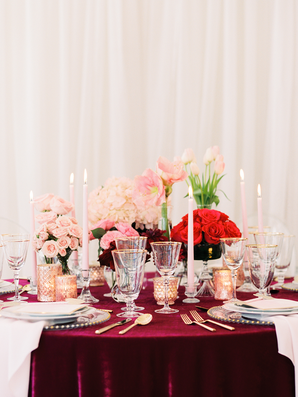 romantic Valentines Day weddings - photo by Erin Stubblefield http://ruffledblog.com/chic-city-valentines-day-wedding-inspiration