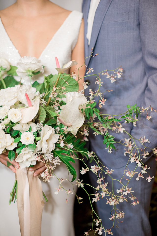 Unique beach bridal bouquet | #aislesocietyexperience @aislesociety presented by @minted | Brkyln View Photography