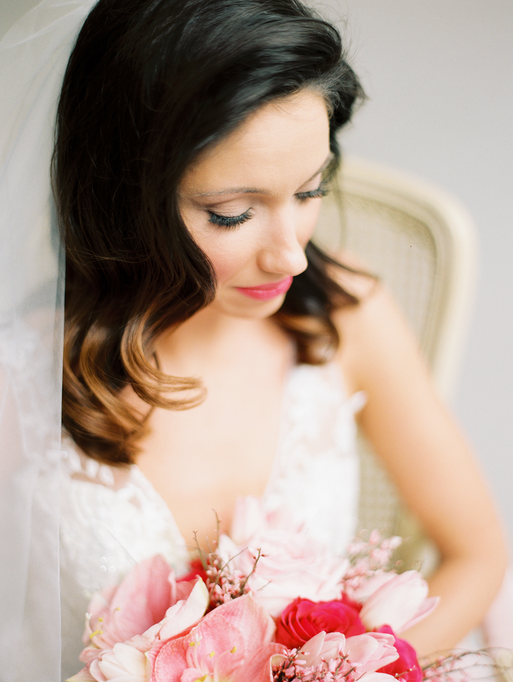 romantic bridal hair and makeup - photo by Erin Stubblefield http://ruffledblog.com/chic-city-valentines-day-wedding-inspiration