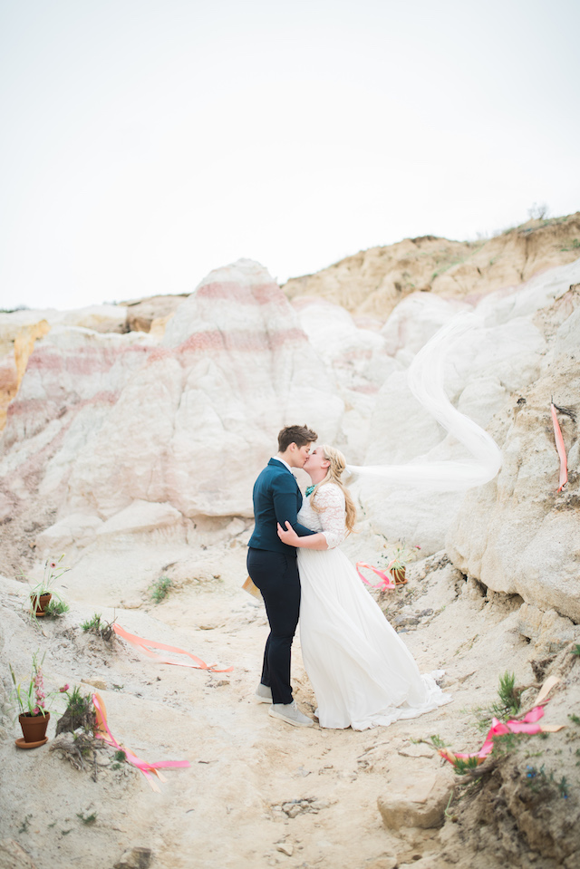 Paint Mines Colorado wedding | Green Blossom Photography
