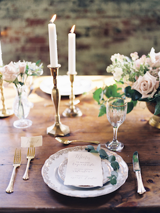 Vintage romantic place setting | Kim Ing Photography