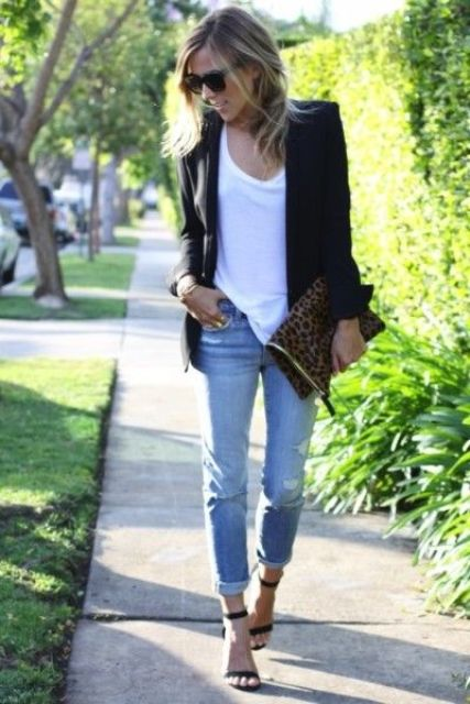blue ripped cropeed jeans, a white tee, a black blazer and black ankle strap sandals