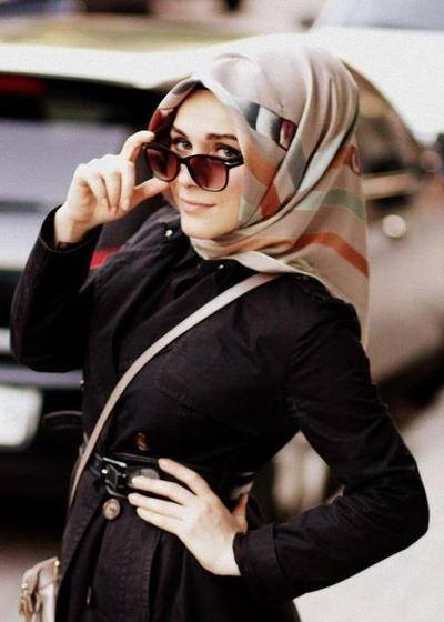 Hijab with sunglasses style