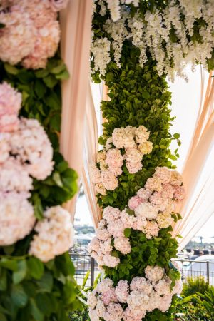 Wedding ceremony flowers - Lin And Jirsa Photography