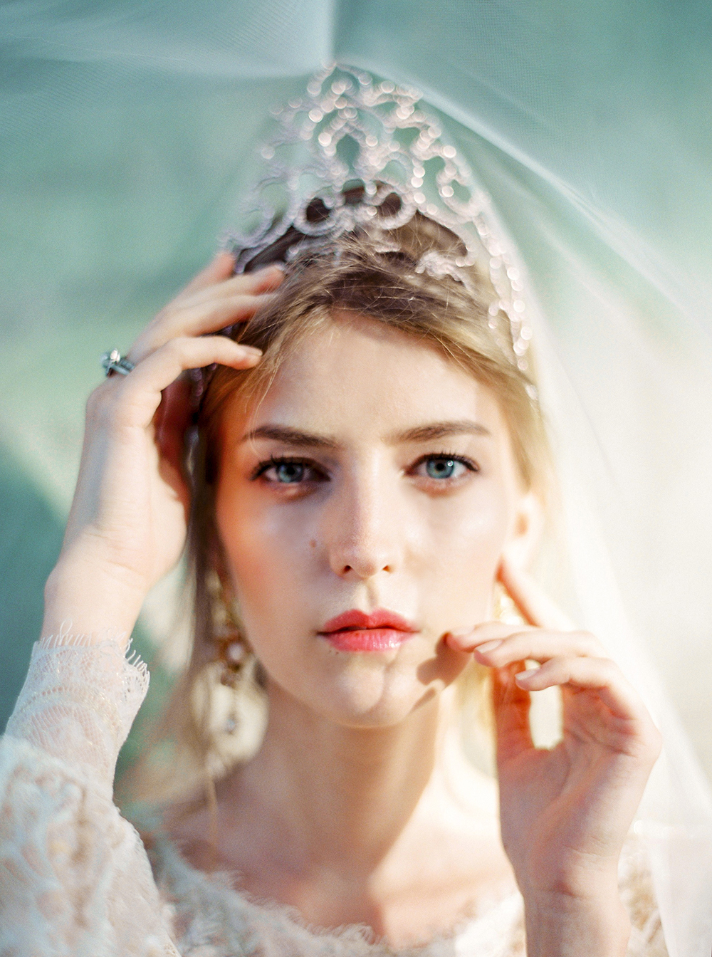 brides with tiaras - photo by Zhenya Savina http://ruffledblog.com/russian-swan-princess-bridal-inspiration